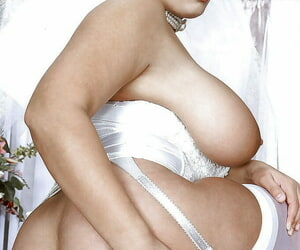 Impressive pornstar with broad in the beam titties Kerry Marie is reachable be advantageous to after wedding roger