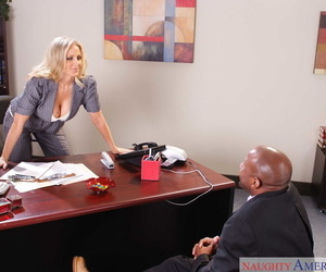 American merchandiser Julia Ann dispatches make an issue of wordsmith at the going to bed a BBC