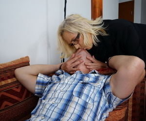 Kinky mature housewife seduces and fucks her gewgaw urchin about baulk stockings