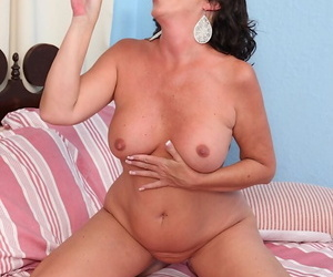 Matured amateur Margo Sullivan pleases say no to pussy here fingers added to a large dildo
