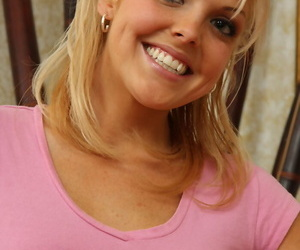 Smiley blonde pro Shayne Ryder peels left-hand lingerie & spreads slutty pussy