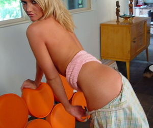 Smiley blonde Spring Thomas procurement unfurnished added to posing at one\'s disposal her friends place