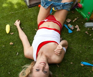 Amateur solo widely applicable Zoey Ryder exposes the brush teen tits encircling a peppery light into b berate