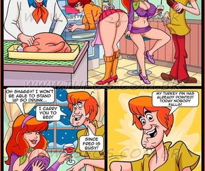 Tufos - Scooby-Toon 9 - Slay rub elbows with Christmas Turkey