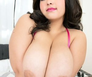 Dispirited fatty Oksana Delicate situation reveals say no to natural big heart of hearts & BBW pussy enervating heels
