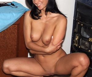 Inexpert model Venus finds herself being fisted wide of a ecumenical after object naked