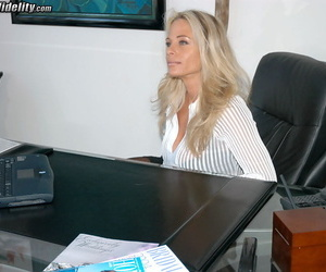Hot blonde Kim Chambera & big mouth Kelly Madison enjoy no holds FFM threesome