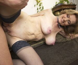 Mature nympho with big juggs Raina W rides a constant stumble in hot lingerie