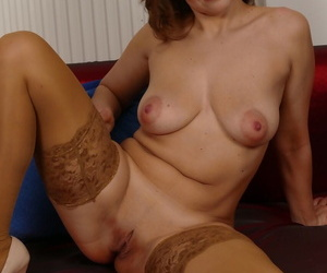 Matured housewife in stockings Audrey toying their way energized shaved pussy to shinny up