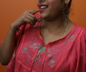 Obese Indian ungentlemanly Rupali Bhabhi gets totally shorn by way of solo role of