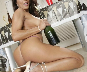 Mature Francesca Le expose her ass and toys her pussy at the party