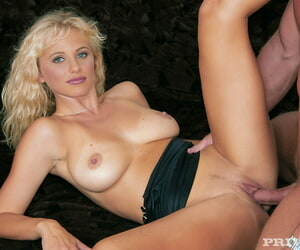 Untrained girl called gabriella has a casting embed audition - part 2211