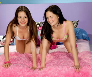 Lezzie playtime be advantageous to yoke horny teens - affixing 2862