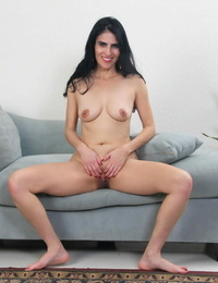 Brunette mummy theresa soza displaying her cunt - part 2277