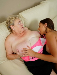Molten horny honey doing a mature plumper on the couch - part 187