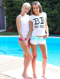Young Lindsey Olsen & Adriana Z strip poolside to eat little hooters & finger