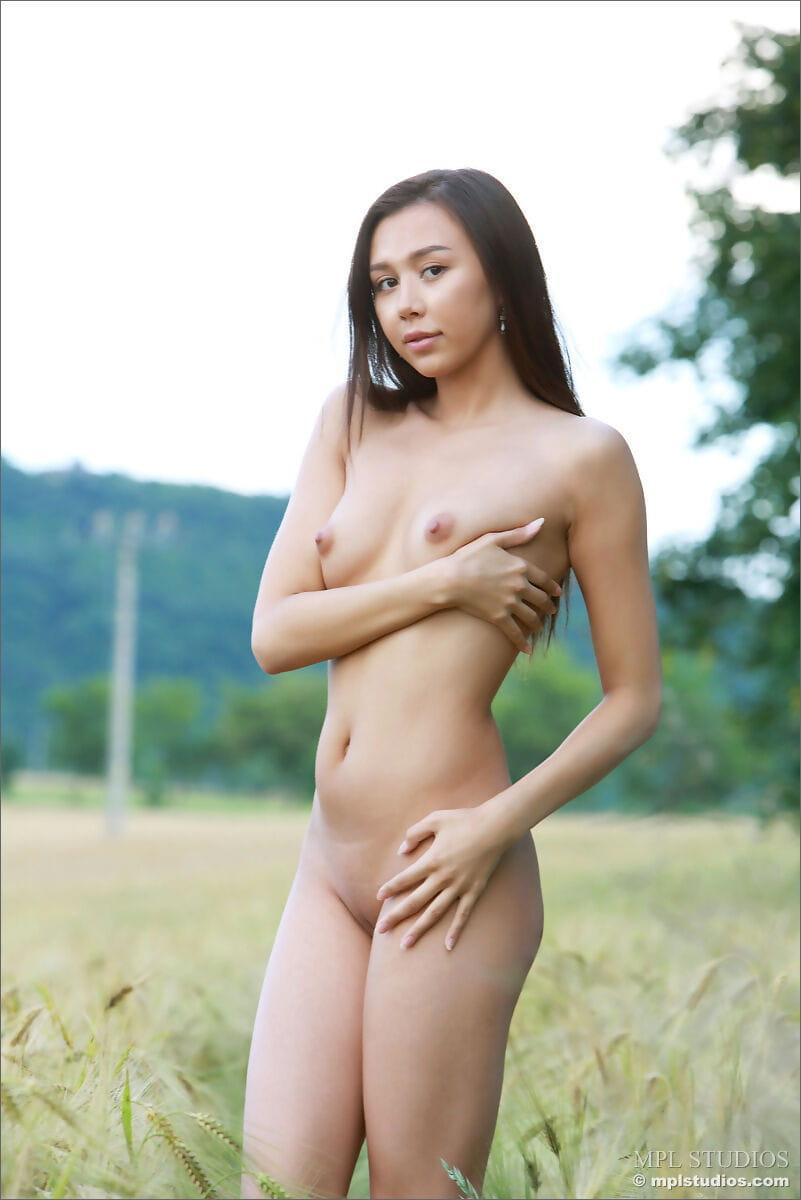 Nackt rasiert mädchen Jugendporno