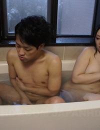 Japanese girl An Kanoh jerks her hubby after pussy licking in bath