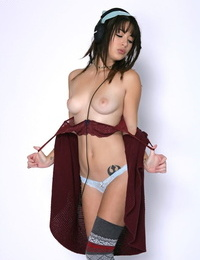 Stoner chick Daisy Haze peels off off her clothes for Ryan Madison