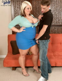 Fat teen Porsche Dali uncorks her huge knockers while attracting a gawp attention