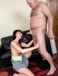 Promiscuous amateur MILF Tracey Lain rails her hairy twat on a fat cock