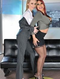Finest buddies Ava Devine and Natasha Starr love a threesome pound