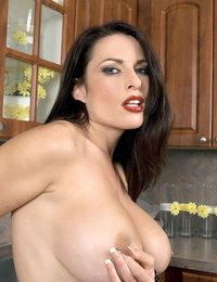 Fantastic housewife Goldie Blair blows man sausage and gives a titjob in the kitchen