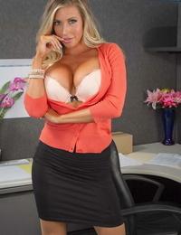 Naughty Office Samantha Saint- Xander Corvus