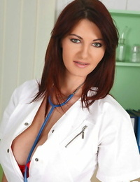 Lesbian doctor undoes her lab glaze while seducing a patient in exam bums