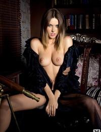 Killer dickblowers chick Olga Alberti posing naked in this solo activity