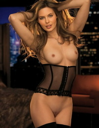 Exceptional centerfold Amanda Streich unveils her congenital boobs & poses hotly