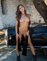 Incomparably beautiful black-haired Chelsie Aryn uncovers her nomable forms
