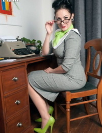 Mummy secretary Sophie Delane in glasses stripping to spread naked at her desk