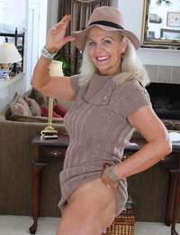 Clad American granny peels off her tights and cast them aside