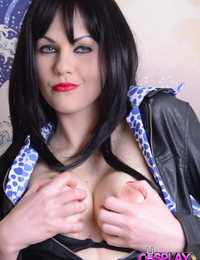 British fuckslut Tina Kay fucktoys herself in leather and fishnets on the bed