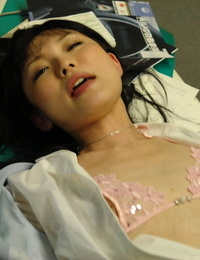 Japanese spit-filled Ruri Shinohara leaks spunk from vagina after inner jizz shot