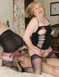 Mature girl Claireknight and her granny friend share jism smooch after a Polish