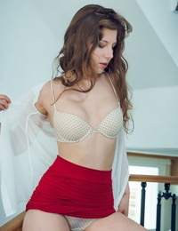 Satin stone demonstrates her figure with enticing poses before wanking - part 1030