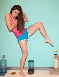 Flexible girl marlow clarke teasing in her sexy cut-offs - part 829