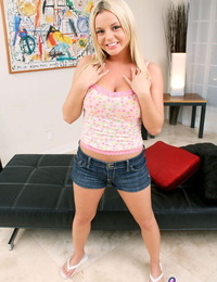 Bombshell bree olson loves to deepthroat cock and get screwed - part 751