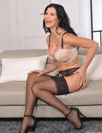 Exciting tell all - titties & fucktoys with jasmine jae - part 817