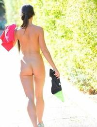Randi nice stripped to the waist runner - part 690