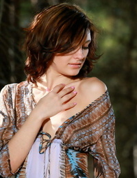 Alluring florina flaunts her gorgeous figure as she peels off in the woods - part 1632