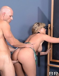 Busty schoolgirl in glasses brianna gets heavily glimpses by her teacher - part 1508