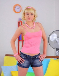 Sweet blonde teenage liking her tight sack of babymakers and throat screwed - part 1253