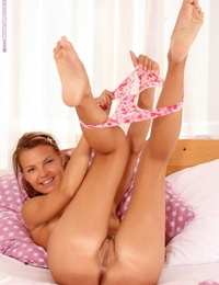 Youthful hottie nudes and dildos humid bald snatch - part 699