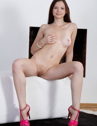 Cute honey mary cameron wedges her beaver with huge hookup toy - part 1575