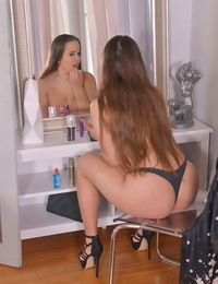 Horny and nice: studying her pink - part 1459