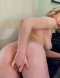 Pretty blonde kery raises her top in front of the mirror and plays with her titti - part 73