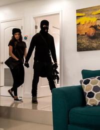 Sophia leone bandits of restrain bondage latina blow cock - part 474